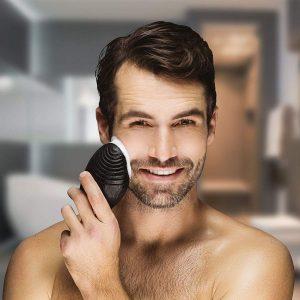 Cepillo facial para hombres